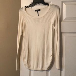 Nwt off white knit sweater size medium